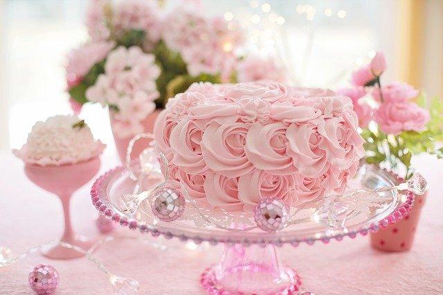 シャトレーゼのケーキ予約は何日前まで?電話の仕方WEB予約方法やカットケーキ予約できる?